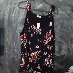 ❤NWT Maurices tank floral size 4